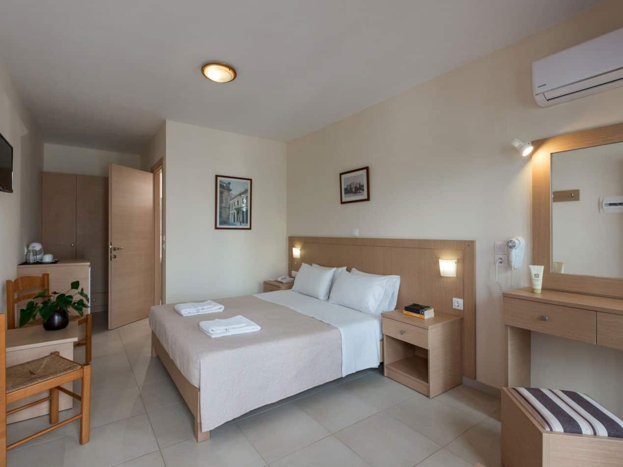 thalassi-hotel-rethymno-sfakaki-crete-room
